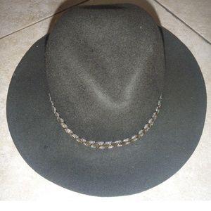 Womens Joe Boxer Olive Green Wool Fashion Hat NWT